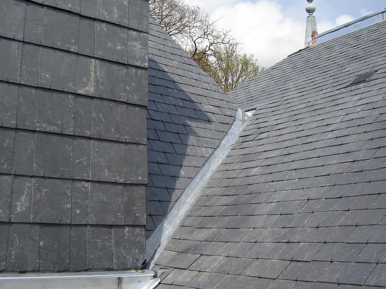 R alisations couverture toiture restauration patrimoine - Noue en zinc ...